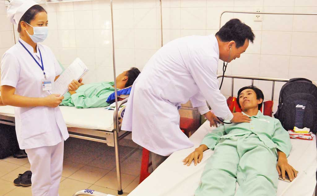 Chất lượng phục vụ của nhân viên y tế đang dần được cải thiện
