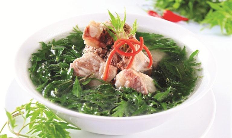 Sử dụng món ăn chứa đinh lăng trong thực đơn hằng ngày