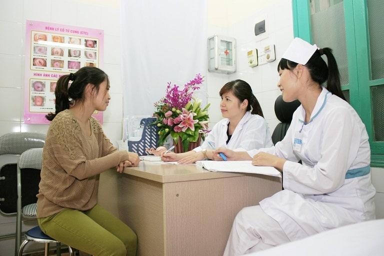 Người bệnh cần thăm khám bác sĩ để có phương pháp xử lý kịp thời