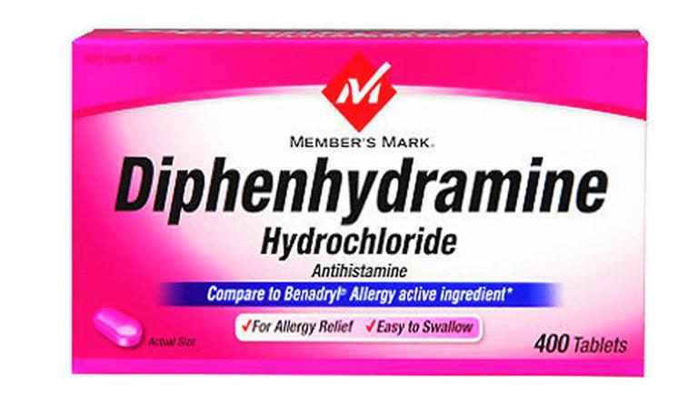 Diphenhydramine nằm trong nhóm thuốc kháng histamin có tác dụng giảm ngứa