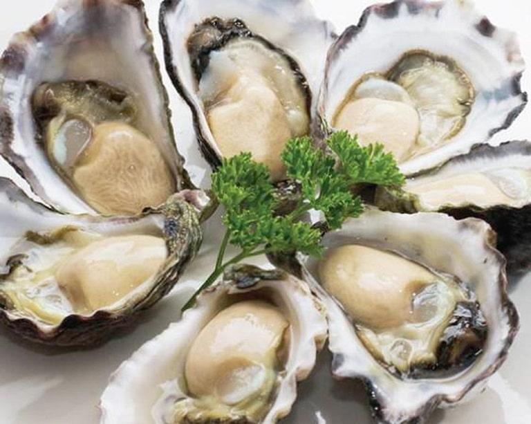 Hàu là thực phẩm giúp tăng cường sinh lí nam giới hiệu quả