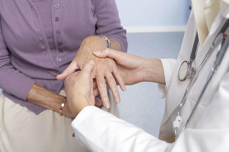 Đi khám để được chẩn đoán chính xác nhất