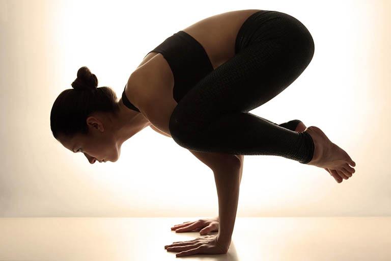 Các bài tập yoga cho người bệnh cải thiện tình trạng thoái hóa