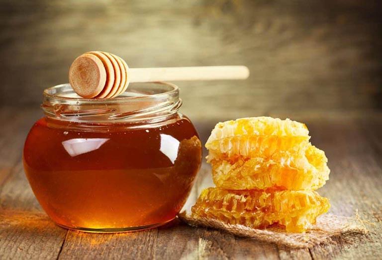 Mật ong giúp giảm viêm, tiêu sưng rất tốt
