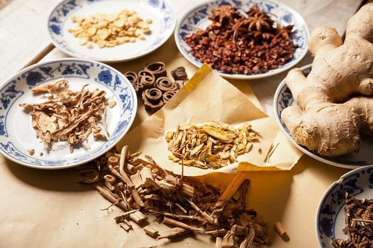 Thuốc Đông Y bao gồm các dược liệu thiên nhiên