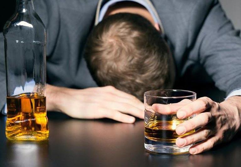 Rượu bia không tốt cho sức khỏe nên cần hạn chế sử dụng