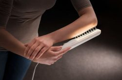 Điều trị UVB laser thích hợp với vùng vảy nến khu trú