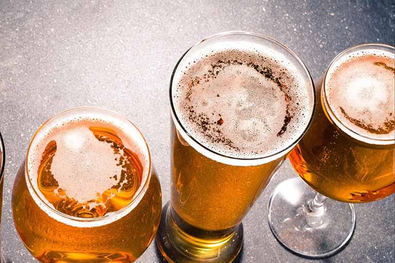 Bia tươi ủ tóc giúp loại bỏ nấm ngứa rất hiệu nghiệm