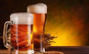 Dùng bia trị nấm da đầu là cách được khá nhiều người quan tâm áp dụng