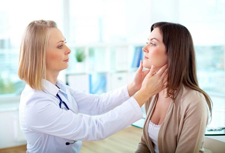 Thăm khám sớm giúp giảm thiểu nguy cơ hình thành sẹo do hắc lào