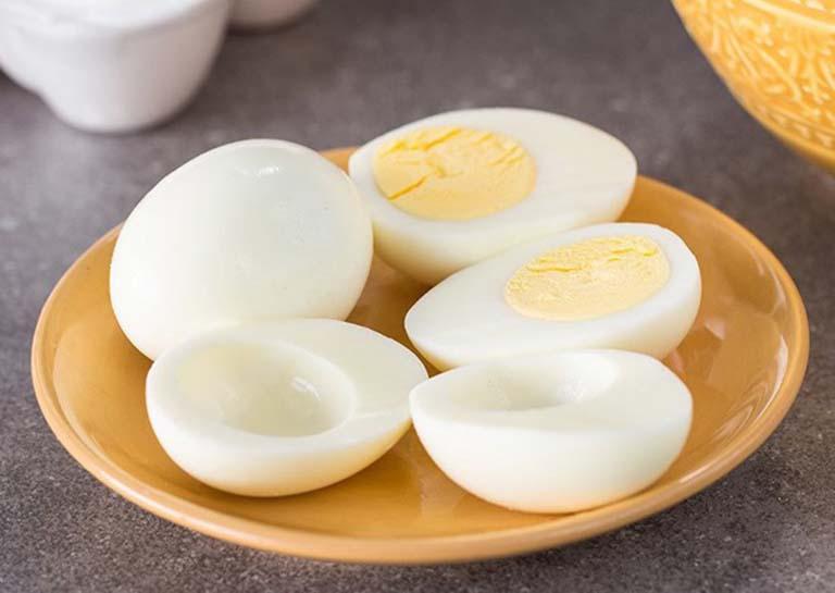 Ăn trứng gà để cung cấp protein thay vì lạm dụng protein từ thịt