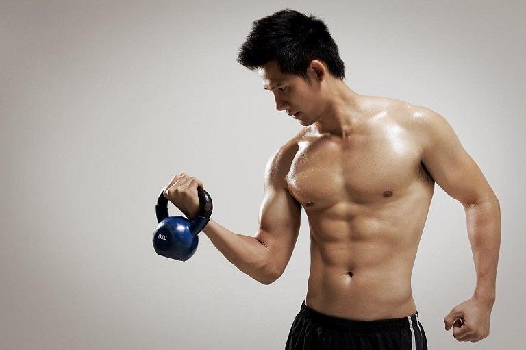 Chăm chỉ tập luyện, giữ tinh thần thoải mái để cải thiện yếu sinh lý