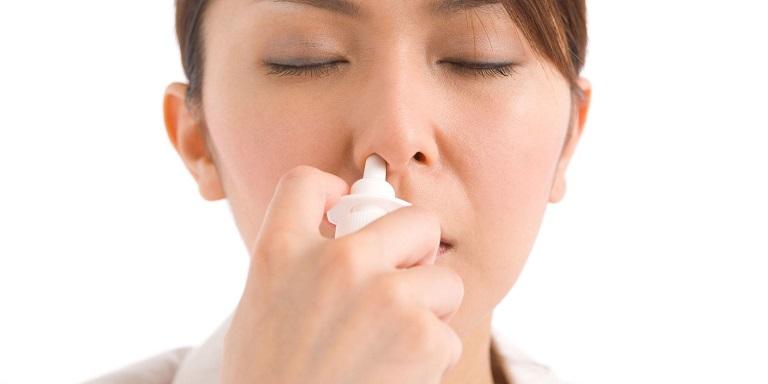 Rửa mũi bằng nước muối sinh lý là cách chữa hiệu quả