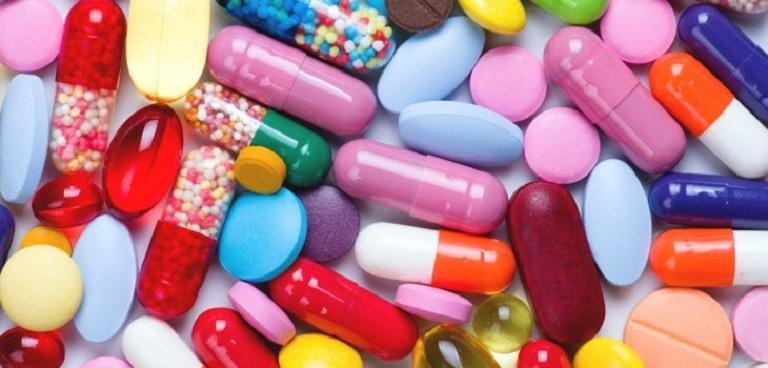 Sử dụng thuốc trị dị ứng son môi cần tuân thủ theo chỉ định của bác sĩ chuyên khoa