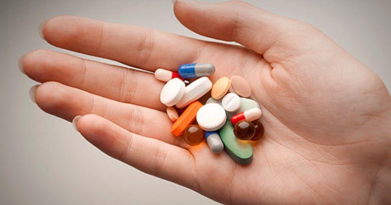 Người bệnh sử dụng thuốc cần tuân theo chỉ định của bác sĩ chuyên khoa