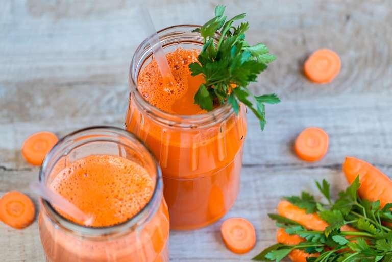 Uống nước cà rốt giúp cải thiện chức năng sinh lý