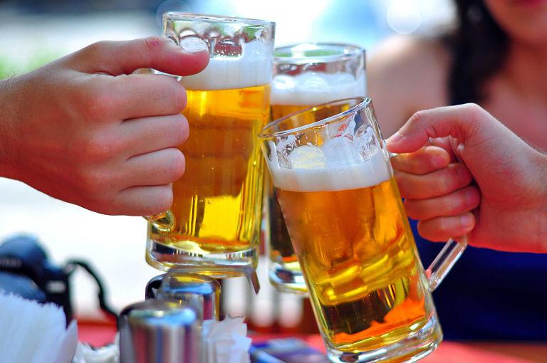 Lạm dụng rượu bia là nguyên nhân khiến bạn mắc bệnh