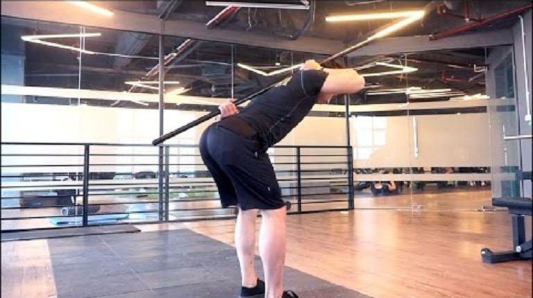Người bị thoát vị đĩa đệm có nên tập thể hình với bài tập Hip hinge để giúp hỗ trợ trị bệnh