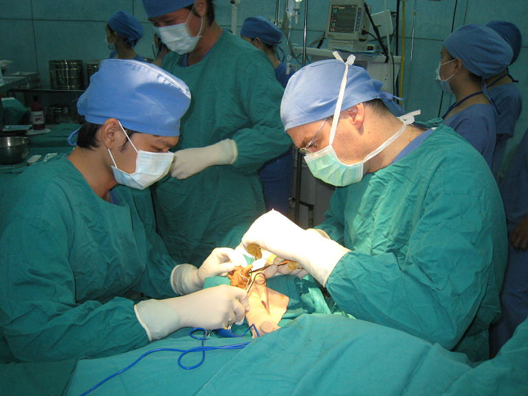 Bệnh nhân nên chọn cơ sở y tế uy tín và có chuyên môn cao để điều trị bệnh