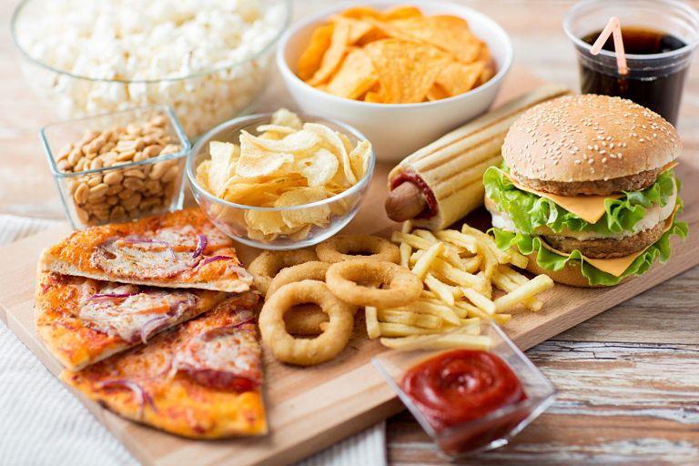 Thoái hóa khớp gối nên ăn gì và kiêng ăn gì