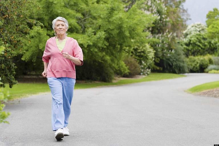 Bệnh nhân nên lựa chọn địa điểm bằng phảng để đi bộ