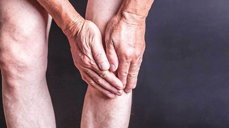 Điều trị thoái hóa khớp từ giai đoạn đầu để ngăn ngừa diễn tiến nghiêm trọng