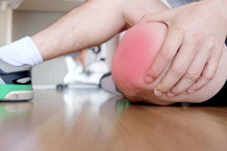 Cứng khớp gối là một trong những biến chứng sau khi phẫu thuật khớp gối