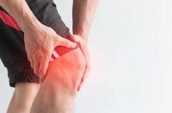 Khớp gối kêu lục cục và đau là tình trạng tổn thương nguy hiểm