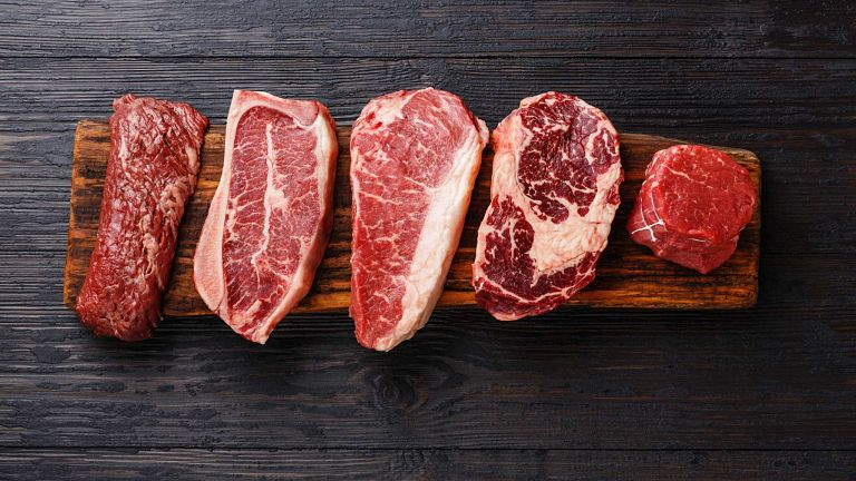 Mắc bệnh đau khớp gối người bệnh nên kiêng ăn thịt đỏ