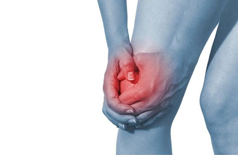 Đau nhức đầu gối là biểu hiện đặc trưng của bệnh