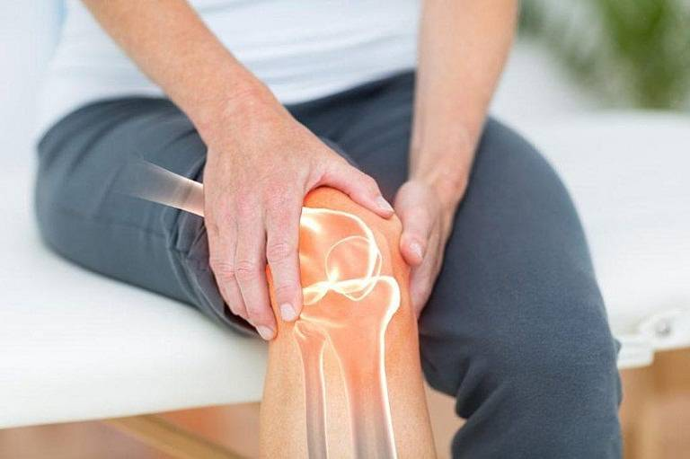 Thoái hóa khớp gối là nguyên nhân khiến khớp bị đau và phát ra tiếng lục cục