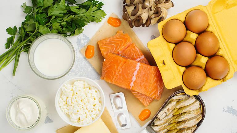 Bổ sung vitamin D trong bữa ăn hàng ngày giúp xương khớp chắc khỏe
