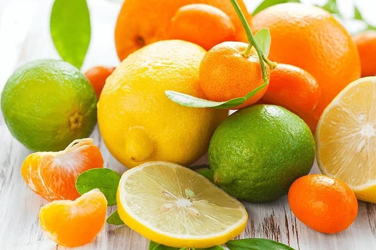 Trái cây nhiều vitamin giúp tăng tiết dịch Collagen hỗ trợ trị bệnh xương khớp