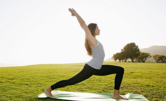Yoga chữa thoái hóa cột sống