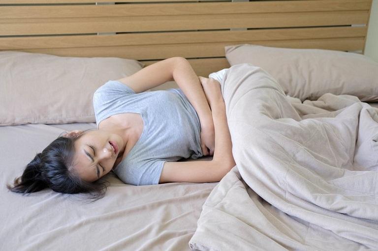 Rối loạn tiểu tiện, rụng tóc, mệt mỏi là một số dấu hiệu thận yếu ở phụ nữ