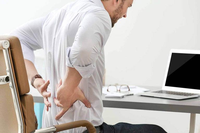 Người bệnh cần nhận biết triệu chứng của khi bị rách bao xơ đĩa đệm