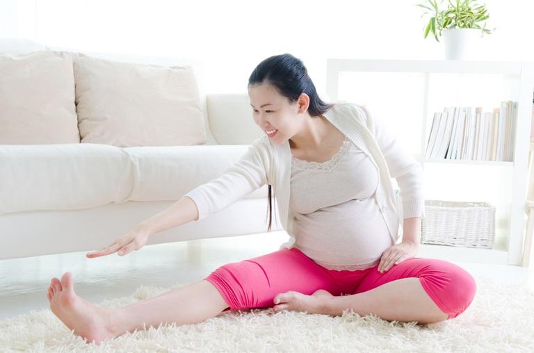 Cần luyện tập thể dục hỗ trợ điều trị thoát vị đĩa đệm khi mang thai