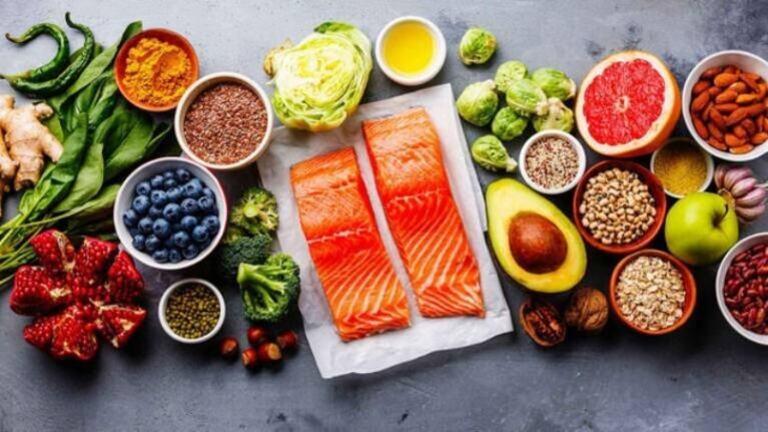 Một chế độ dinh dưỡng lành mạnh sẽ góp phần hỗ trợ điều trị thận yếu
