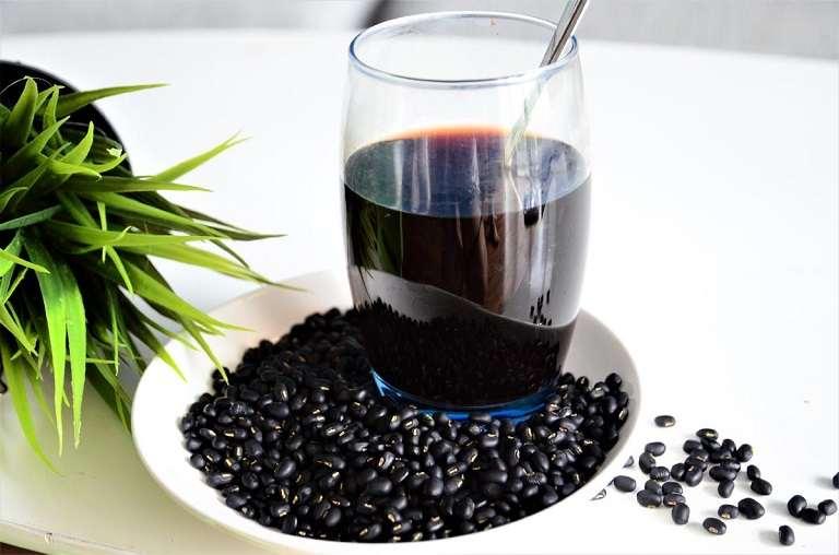 Bài thuốc dân gian chữa suy thận từ đậu đen giúp hỗ trợ thanh lọc, làm mát cơ thể