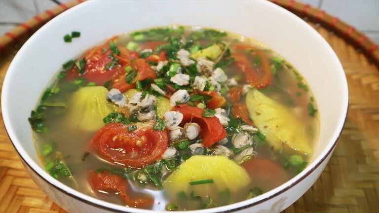 Hến nấu canh chua là món ăn hỗ trợ điều trị sỏi niệu quả rất tốt