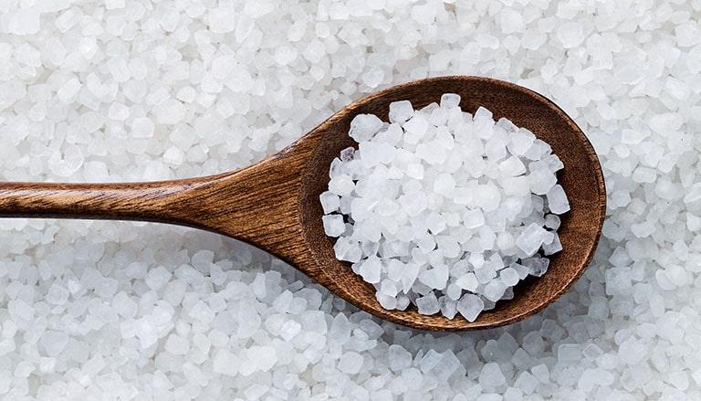 Sỏi niệu quản kiêng ăn gì? - Câu trả lời là đồ ăn nhiều muối