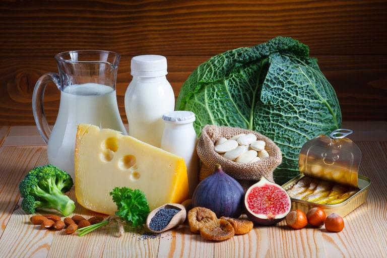 Bổ sung điều độ nguồn thực phẩm giàu canxi để ngăn nguy cơ sỏi thận