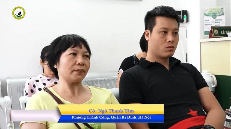 Cô Ngô Thanh Tâm (Hà Nội) cùng con trai Nguyễn Ngọc Huy